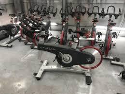 Maquinas de musculación reutilizadas
