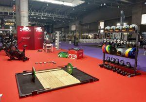 suelos de gimnasios para aeróbicos y clases de grupo