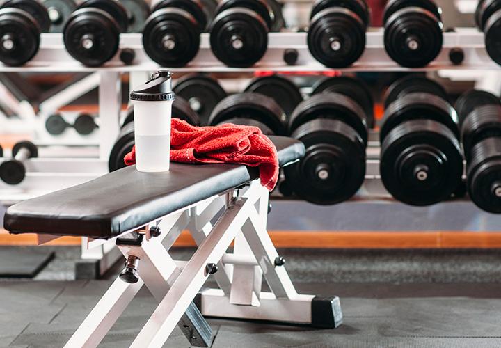 Entrenar en casa o entrenar en el gimnasio