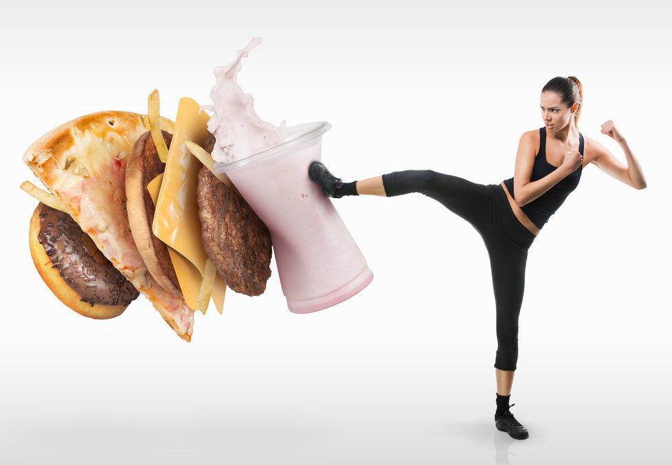 Di adiós a la grasa con estos 3 ejercicios y estas 8 dietas